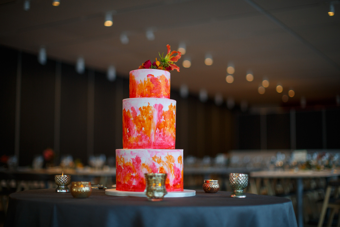 The cake and tables were set for Meredith and Jason's wedding at Terzo Piano at the Art Institute of Chicago's Modern Wing.