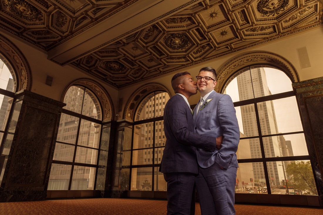 Terry & Nathan pose for a wedding portrait at the Chicago Cultural Center